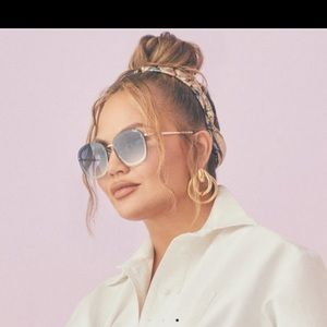 Quay Chrissy Teigen Jezabell chain blue sunglasses